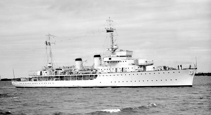 """Francuskie """"aviso colonial"""" typu Bougainville, wypierające niemal 2000 ts i uzbrojone w trzy działa 138 mm – częsty gość w portach Oceanu Indyjskiego. Spośród ośmiu okrętów tego typu jeden został przejęty przez Brytyjczyków, dwa przez nich zatopione, czwarty – najpierw zatopiony a później przejęty, piąty Francuzi wysadzili w powietrze aby nie dostał się w ręce Niemców, szósty – aby nie dostał się w ręce Japończyków. Dwa ostatnie przebywały w listopadzie 1942r. w portach Afryki Północnej, gdzie """"przeszły"""" nastronę Wolnej Francji."""