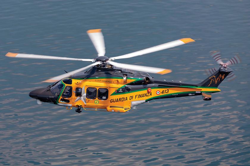 AW139 jest bardzo udaną konstrukcją, która ma wiele różnych zastosowań. Na zdjęciu odmiana  patrolowa wykorzystywana przez włoską Straż  Finansową iCelną – Guardia di Finanza.