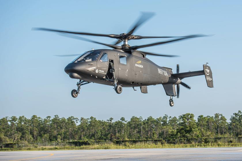 Sikorsky Aircraft jest jednym ze światowych liderów przemysłu śmigłowcowego, który wyznacza trendy wrozwoju tej kategorii statków powietrznych. Wśród najnowszych osiągnięć jest S-97 Raider (na zdjęciu: podczas oblotu 22 maja 2015 r.).