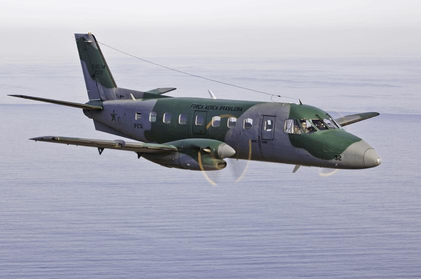 Samolot C-95CM z3° ETA z bazy Galeão. Jest to pierwszy  zmodernizowany egzemplarz Bandeirante, oblatany 14 grudnia 2010 r.