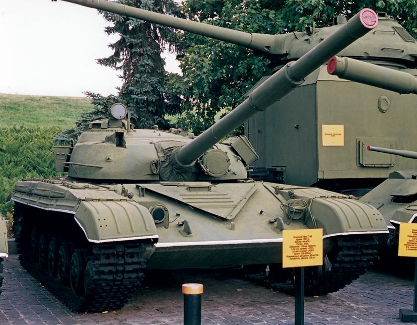 T-64R, czyli wczesny Obiekt 432 po kapitalnym remoncie i modernizacji przeprowadzonej po1978 r.