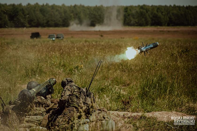 17 czerwca żołnierze WOT przeprowadzili na poligonie Toruń Kijewo pierwsze oficjalne strzelanie z wykorzystaniem przeciwpancernych zestawów rakietowych Javelin.