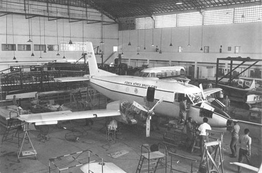 Montaż końcowy pierwszego prototypu w hangarze X-10 IPD/PAR.