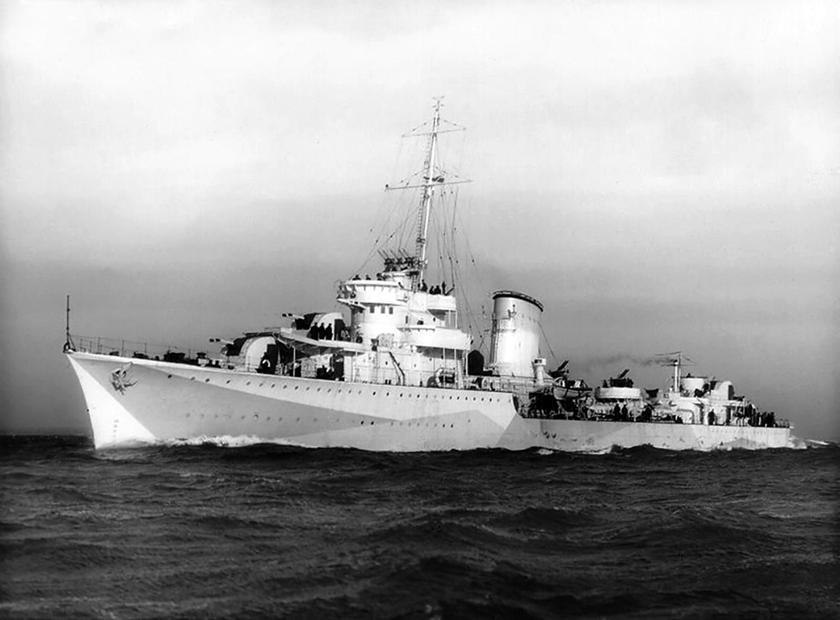 Niszczyciel ORP Błyskawica na Atlantyku po przezbrojeniu dokonanym w połowie 1941 r.
