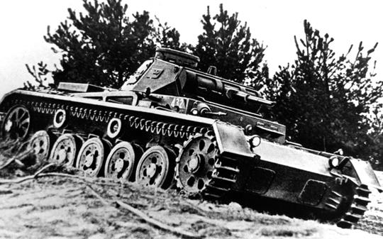 PzKpfw III Sd Kfz 141 Ausf. A – pierwsza wersja podstawowego czołgu Panzerwaffe w latach 1941-1942.